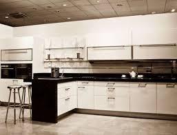 T-shaped Modular Kitchen